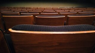 ホールの座席